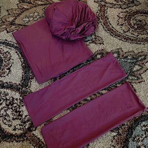Plum/ burgundy sheet set & pillow cases